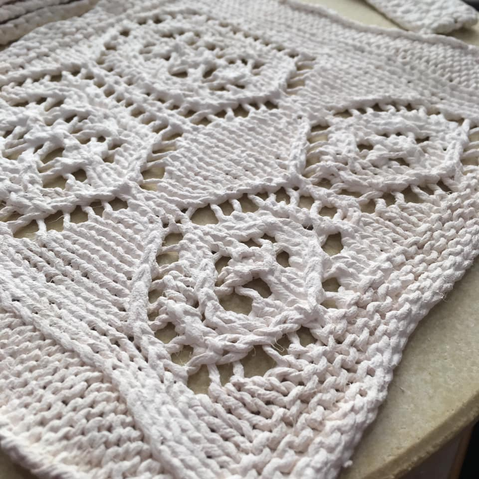 Porcelain Knitting: Islands in Texture. Louise Cook and Kirsty MacLeod